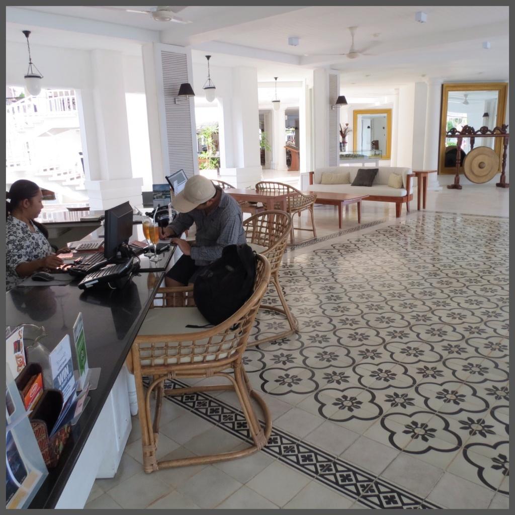 The lobby of Nongsa Point